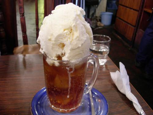 Combini Lovers: Refresco de Cola con Helado de Vainilla