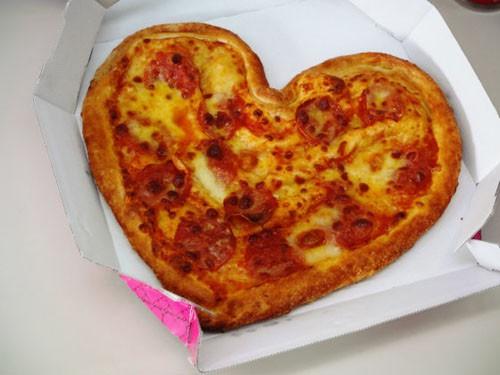 San Valentín en Domino's Pizza Japan: Pizza con forma de Corazón