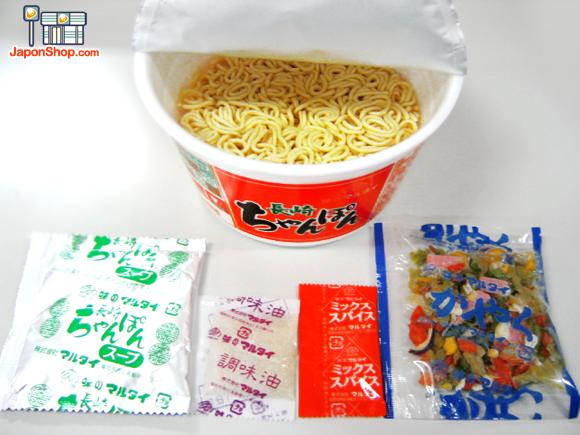 Combini Lovers comida japonshop  Combini Lovers: Ramen Chanpon Naruto. Receta de Nagasaki