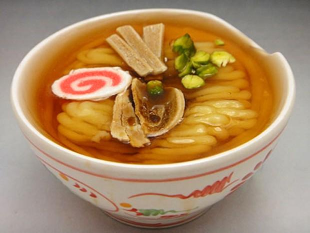 actualidad comida curiosidades japon recetas sociedad video  Este Ramen es un pastel!