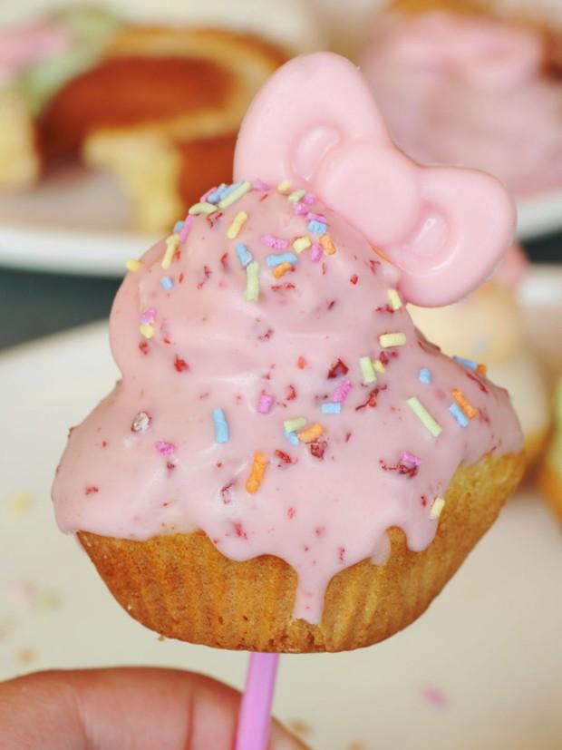 """comida curiosidades japon kawaii negocios ocio sociedad  Mr Donuts presenta los Donuts de """"Hello Kitty"""""""