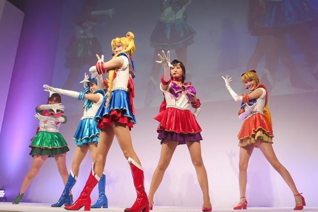 """Bandai presenta en el 20 Aniversario de """"Sailor Moon"""" su colección de cosméticos"""
