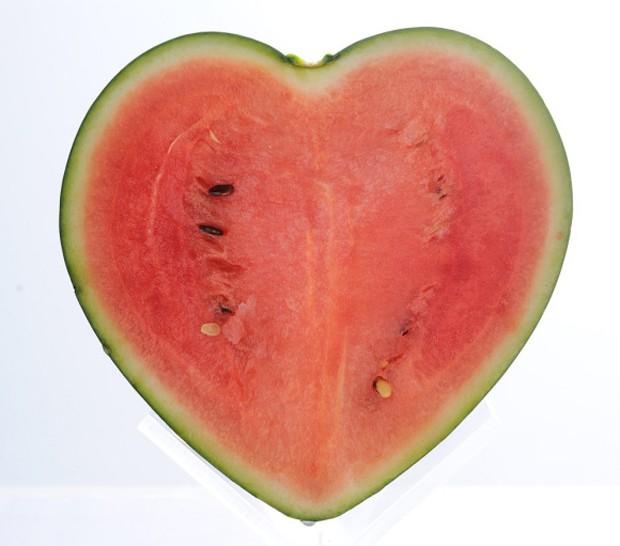 La primera sandía con forma de corazón