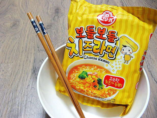 Combini Lovers Review: Ramen Coreano de Queso | Cheese Ramyun