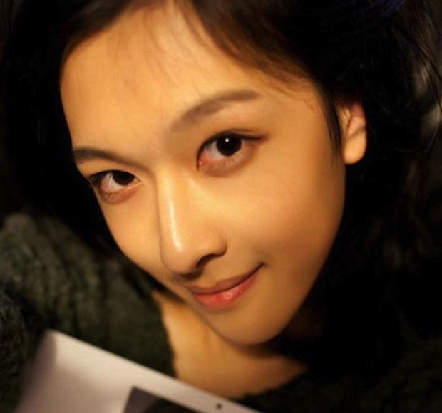 Los internautas coreanos se rinden a sus pies confundiendolo con una chica