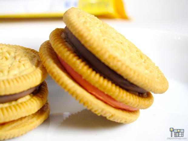 Combini Lovers comida curiosidades japonshop  Combini Lovers Review: Oreo Goldens Triple Double Sandwich de Fresa y Chocolate | Family Size