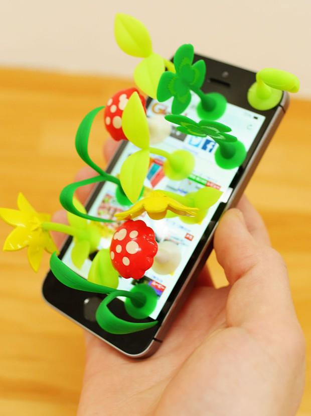 Invento japonés: Plantas y setas por todas  partes…Hasta en el iPhone