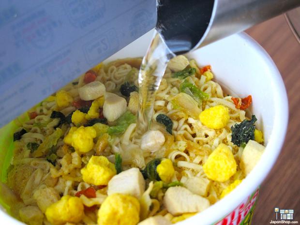 "Combini Lovers comida curiosidades japonshop recetas  Probamos el Ramen con ""Popitas MaxiSabor Cheddar"""