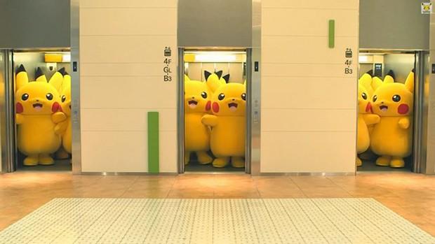"""actualidad anime curiosidades japon kawaii negocios ocio sociedad spots video  Yokohama invadida por una plaga de """"Pikachus"""""""