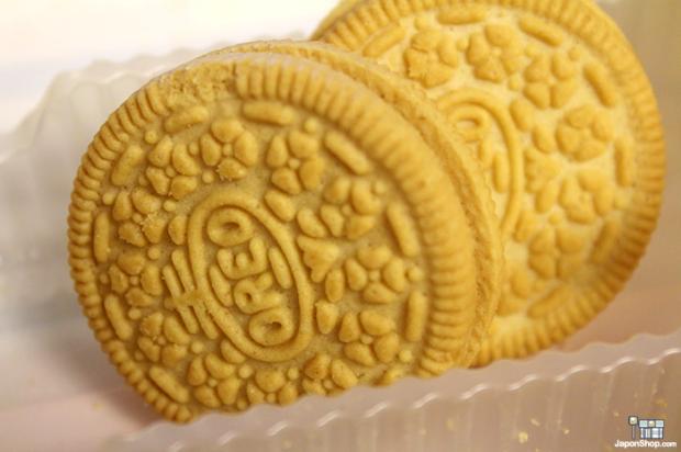 Combini Lovers comida japonshop   Novedad en JaponShop.com! Oreo Golden rellenas de Crema de Vainilla | Family Size