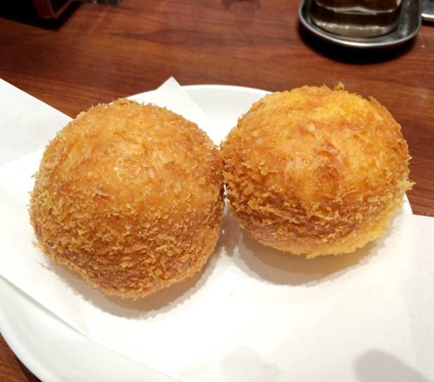 comida curiosidades japon negocios ocio sociedad  Donuts rellenos de Ramen