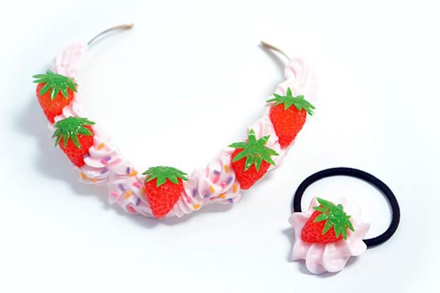 actualidad comida curiosidades japon negocios ocio sociedad  ¿El Regalo de las Navidades en Japón?...¿Tocados y Bisutería de comida?