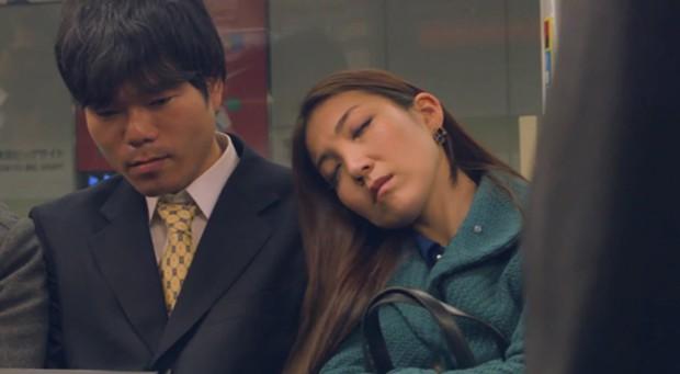 actualidad curiosidades j-pop musica ocio sociedad spots video  El Vídeo Musical que triunfa: Japoneses durmiendo en el Tren