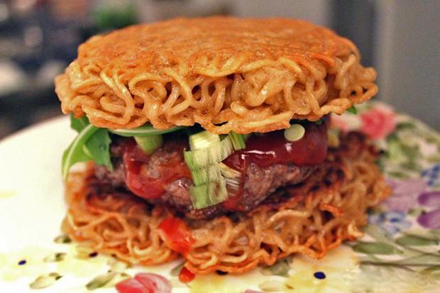 """comida japon recetas  Receta: Como cocinar en casa una """"Ramen Burger"""""""