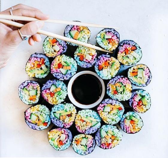 comida curiosidades japon kawaii  Visto en Japón! El Sushi arcoiris!