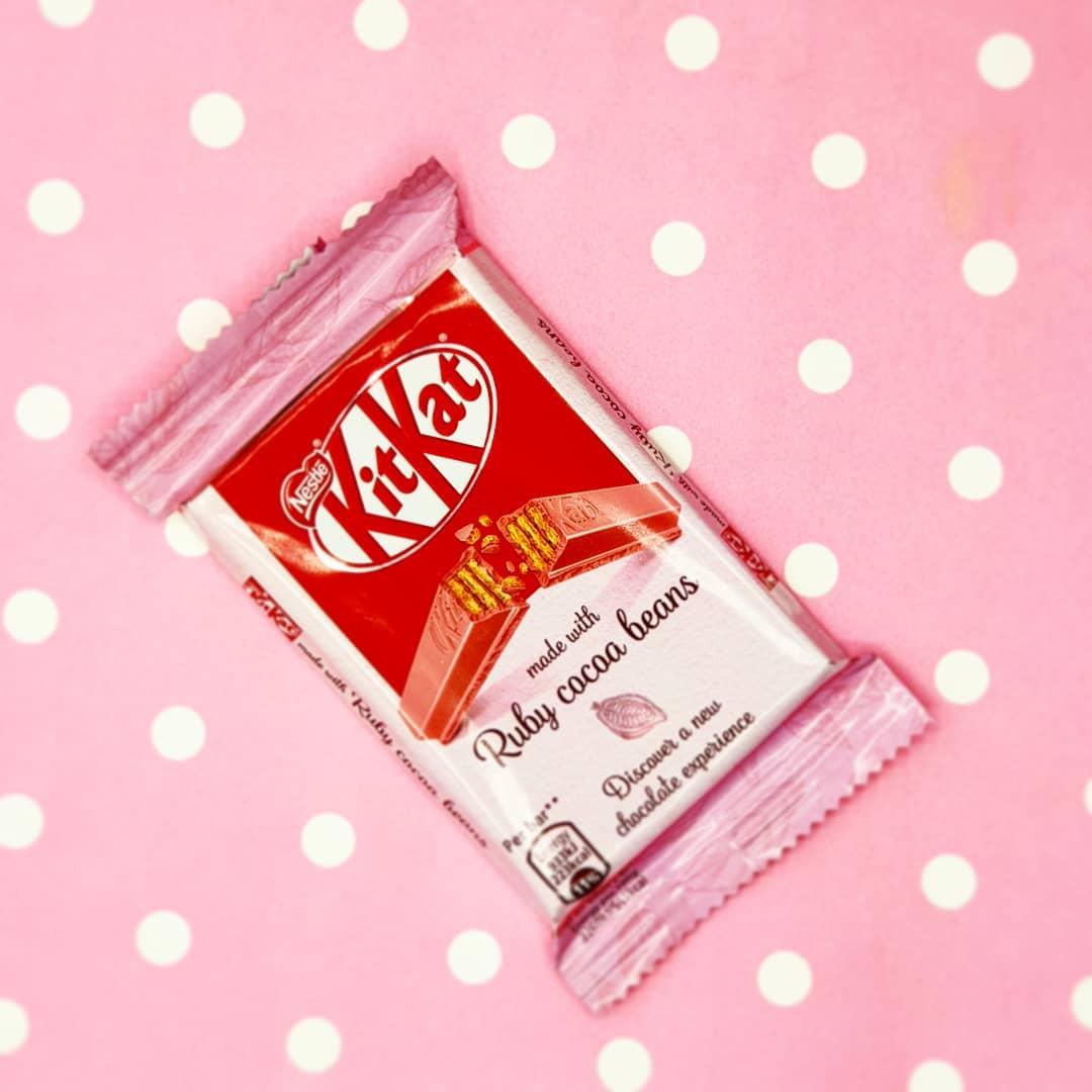 Kit Kat elaborado con cacao natural Rubí.