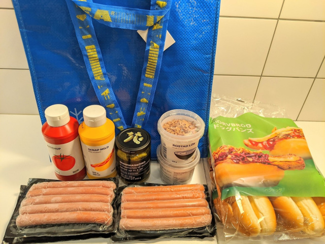 Ikea HOT DOG lucky bag!! Todo para preparar los famosos perritos de IKEA