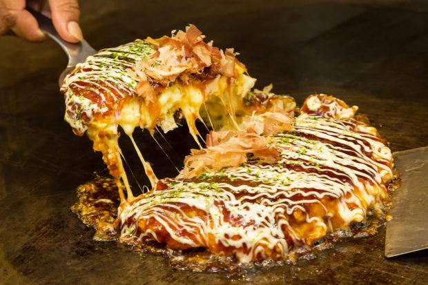 comida japon japonshop  Itadakimasu! Receta de Okonomiyaki  con queso con DelishKitchen y Japonshop!