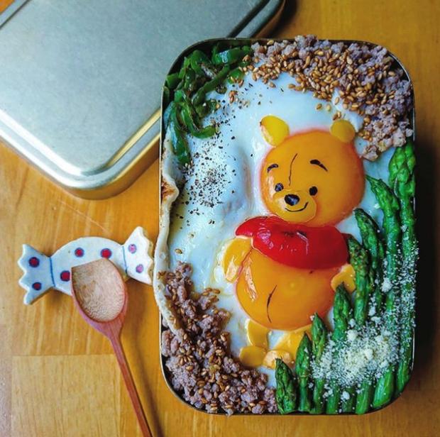 curiosidades japon  ¡Una mamá japonesa en Instagram nos flipa haciendo arte con huevos!
