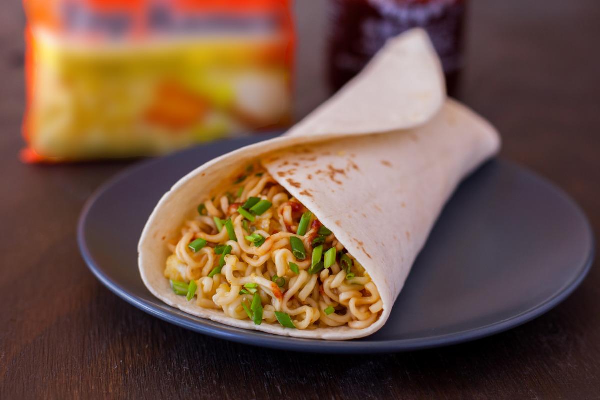 Itadakimasu! ¡Tacos hechos de noodles y ramen wraps!