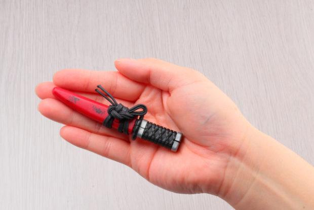 curiosidades japon  ¡Mini tijeras Samurái para cortar con el estilo más molón!