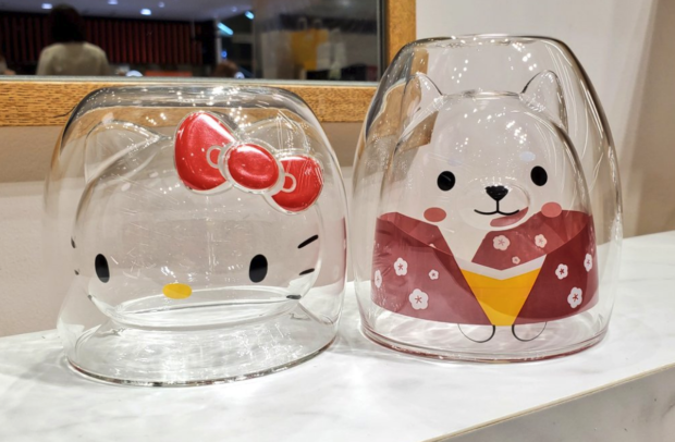 curiosidades japon  Los vasos de Hello Kitty que conquistan Japón