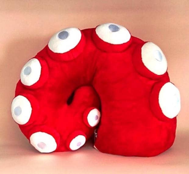 curiosidades japon  Visto en Japón - Peluches tentáculo que puedes llevar!