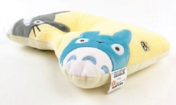 curiosidades japon  ¡No hay mejor lugar para dormir, o una siesta que este saco de Totoro!