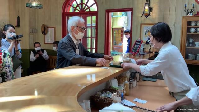 Hayao Miyazaki reaparece para mostrarnos el nuevo Cafe del Ghibli Museum!